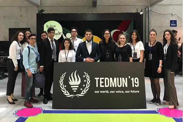 Lise Ogrencilerimiz Ted Ankara Kolejinden Gerceklesen